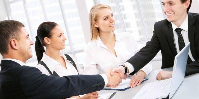 Liên hệ với các dịch vụ thuê call center để có những tổng đài viên chuyên nghiệp