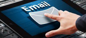 Gửi email cho khách trước 1-2 ngày