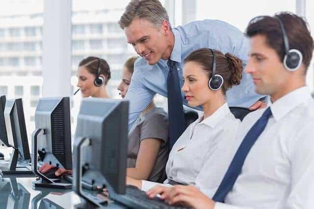 Làm thế nào để truyền đạt các tiêu chuẩn chăm sóc khách hàng đến với nhân viên