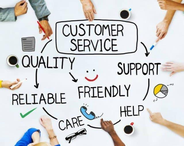 Hãy chia sẻ những thông tin về khách hàng với nhau.
